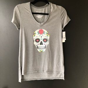 NWT Grayson Threads Gray Distressed Tee  Small